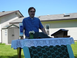 Pastor Brian welcoming the folk from the Church of St Paul and Clearwater United to worship
